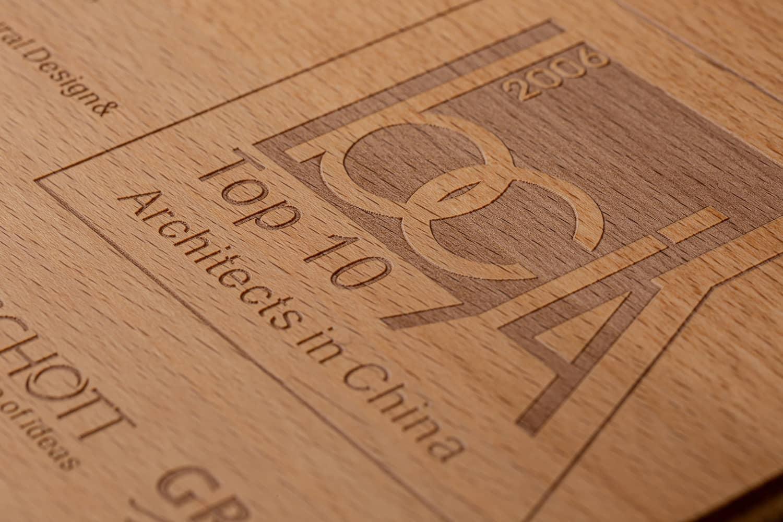 诺格精艺成都实木奖牌定制-榉木雕刻放大细节1